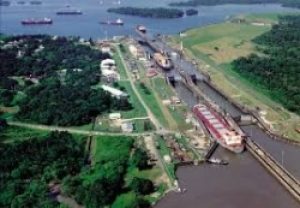 STRIKES AND DELAYS FOR THE GROWTH OF THE PANAMA CANAL