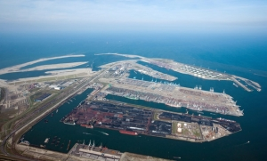 A POSSIBLE SOLUTION TO CONGESTION IN THE PORT OF ROTTERDAM